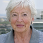 Die ehemalige SPD-Bundesministerin Renate Schmidt stellt ihr Buch vor.
